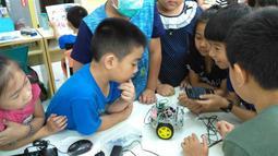 偉克多--當地安親班---教育機器人 體驗課程 講師--培訓課程