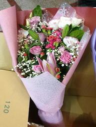 (請先詢問) NO28 母親節 玫瑰花束  玫瑰 康乃馨 母親節花束 感恩花束 限桃園地區