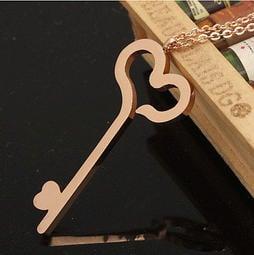 鈦鋼個性愛心鑰匙形狀18K玫瑰金女生項鍊 吊墜 飾品 可刻字