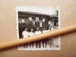 文獻史料館*老照片=台糖公司(新營廠)前合影老照片(k369-24)