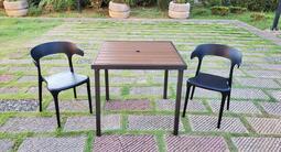 【加百列庭園休閒傢俱】歐式休閒風情~80cm鐵製塑木方桌+塑鋼製一桌二椅組(小扶手)~陽台庭園景觀咖啡品茗騎樓必備款~