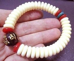 六字箴言 黑曜琉璃串白蜜蠟 綠松石 紅珊瑚手珠 手環 手鍊 ~~ 【279】