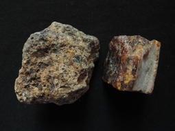 天然特級香琥珀原礦擺件/100%純天然無加工過的特級品,燃燒香,重約15公克@535