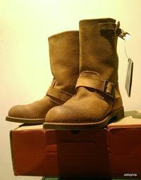 全新 Red Wing 2992 工程師靴---- 8D 褐色反毛皮,Nitrile Cork 耐磨抗油鞋底