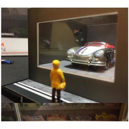 【正品】汽車模型場景擺件 1:64人偶 窗外男孩 改裝店 停車場加油站展示廳