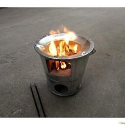 《小城故事》鐵爐子燒柴爐柴火爐農村家用庭院柴火灶室內煤炭爐燒水鐵鍋野炊